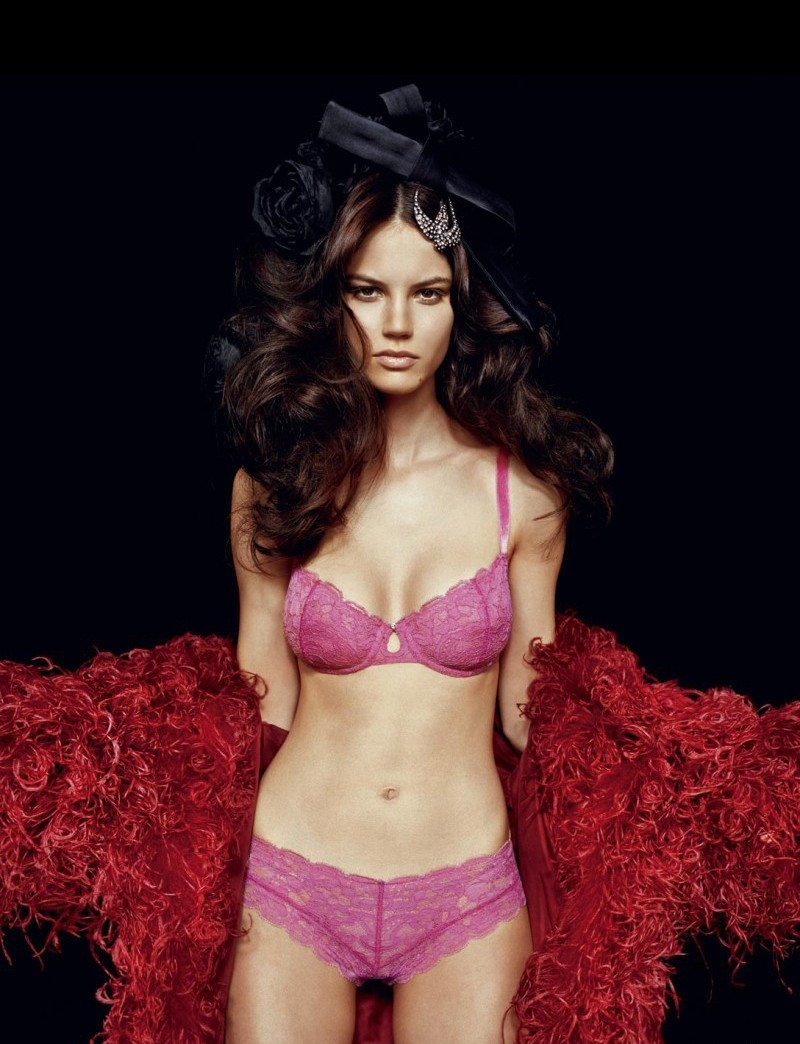 Top 10 Countries With The Most Beautiful Women In The World-6218
